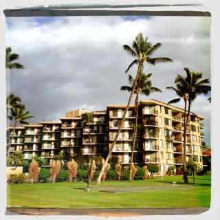 condos for sale with pools in Maui HI - search for Maui condo homes